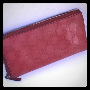"""7.5""""x4"""" Red Gucci Zip Wallet, needs loving care."""